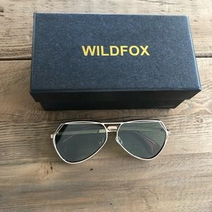 WILDFOX AVIATOR SUNGLASSES NEW
